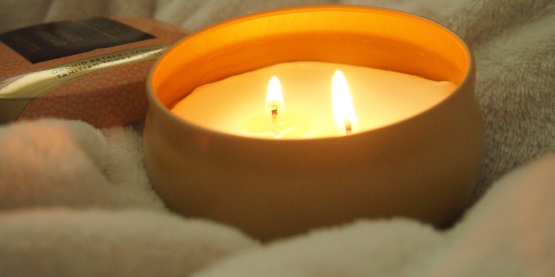 Jak pachnie świeczka Candle-lite CLCo Amber Orchid recenzje świec opinia