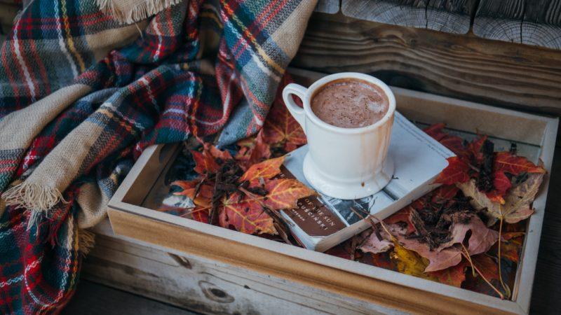 Spadek motywacji jesienią – jak z nim walczyć? Objawy i przyczyny