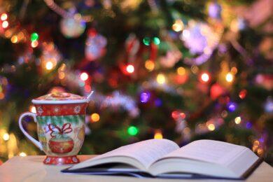 5 książek, które warto dać w prezencie pod choinkę
