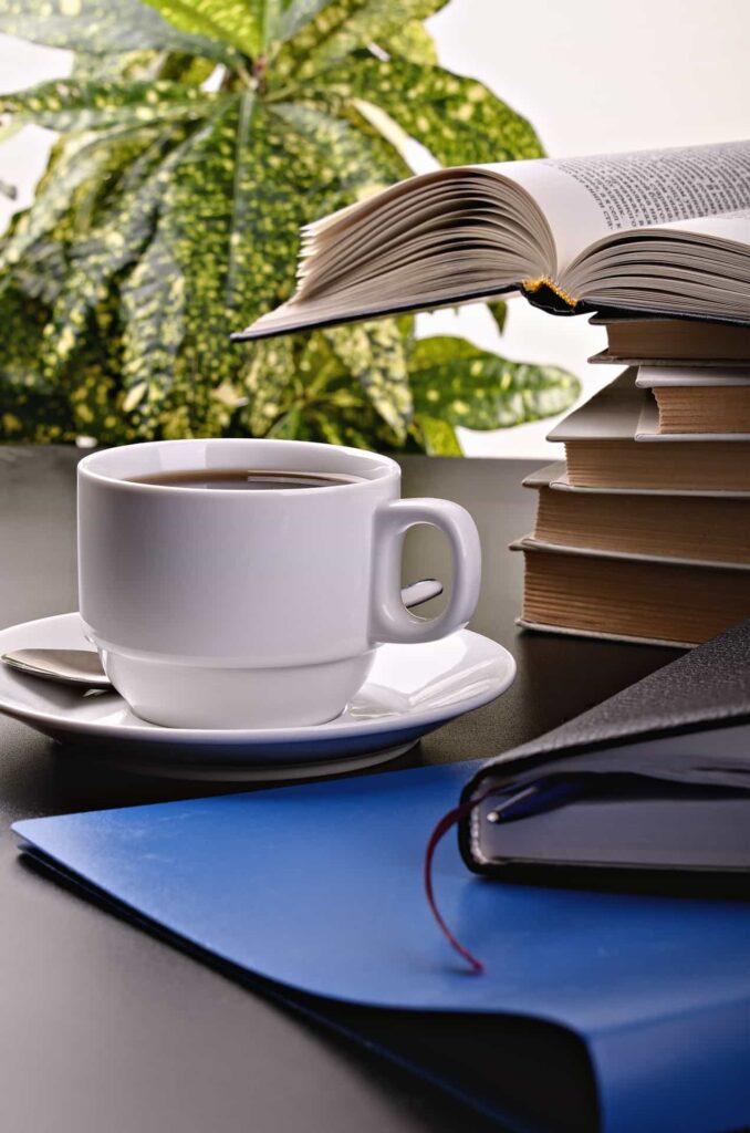 Dobry nawyk: kawa i książka