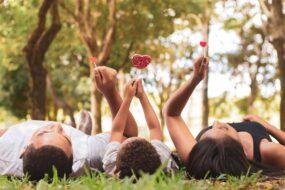 Wakacje w domu z dziećmi - jak sobie poradzić?