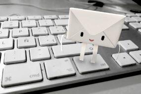 Jak grzecznie odmówić spotkanie mailem