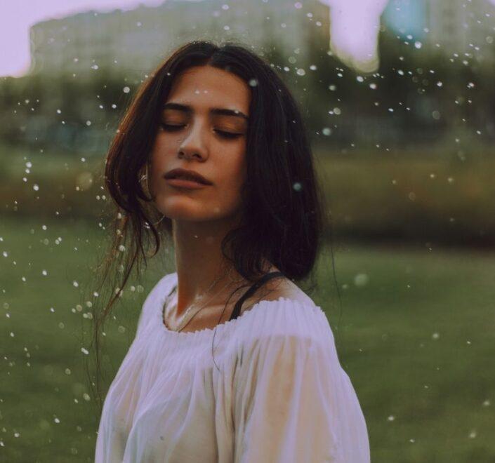 Gdzie iść na randkę jak pada deszcz
